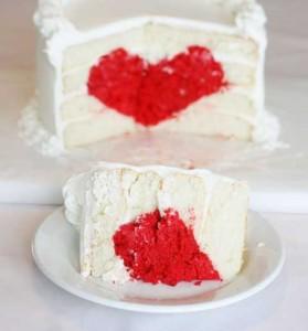 идея оформления тортов для влюблённых